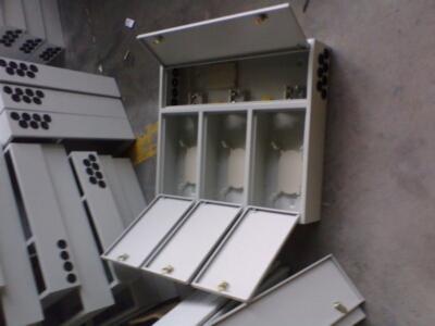 通过配线箱内的适配器