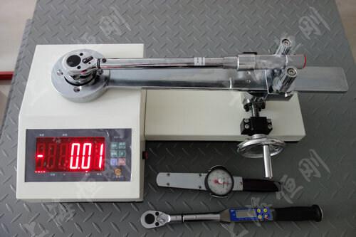扭矩扳手测量仪图片